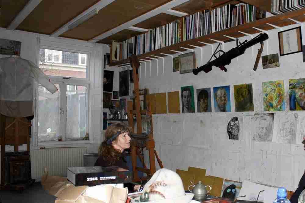 Over mij. Ella Looise met interview Philip Akkerman op zijn atelier