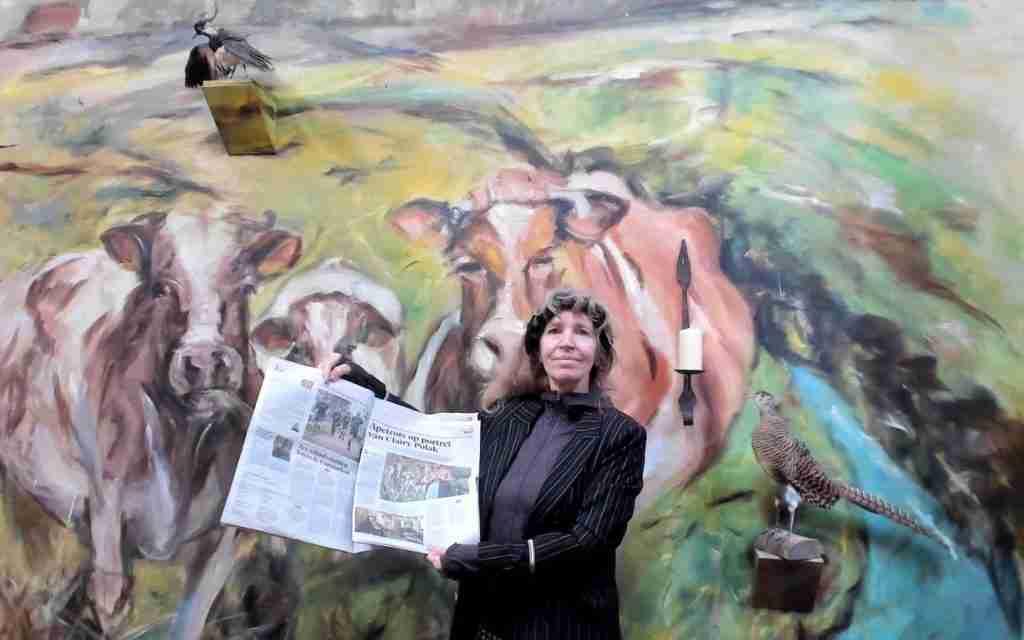 Haarlems Dagblad pakt uit met foto's en artikel over mijn portret van Clairy Polak bij Sterren op het Doek.